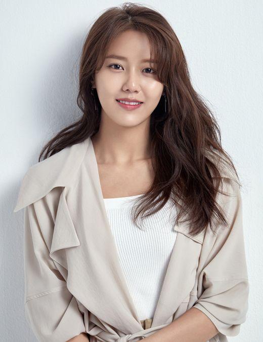 AOA's Hyejeong
